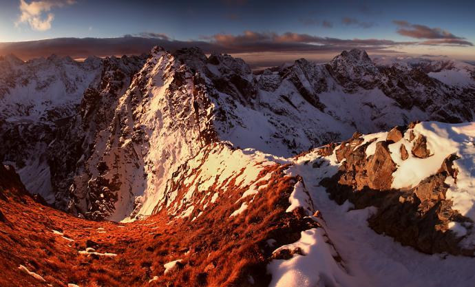 Wschód słońca na Granatach w grudniu