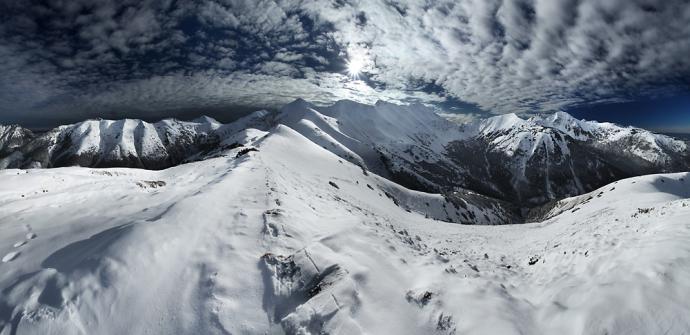 Panorama 180° z Trzydniowiańskiego Wierchu