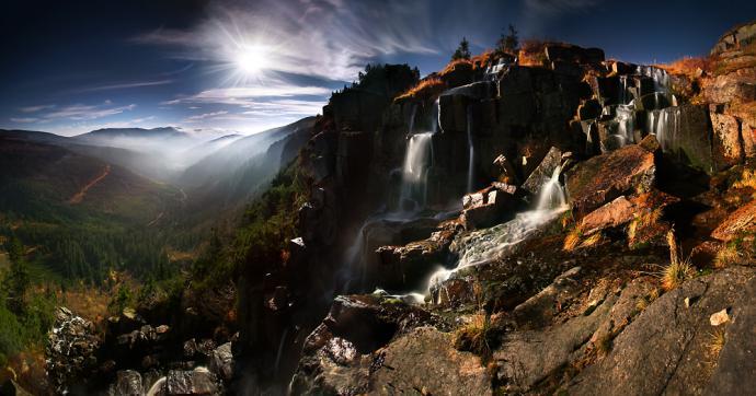 Pančavský vodopád – najwyższy wodospad w całych Sudetach, jest jednocześnie bajecznym punktem widokowym na cały obszar Sedmidoli