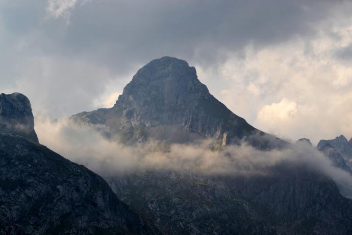 Nieznany szczyt Gór Przeklętych