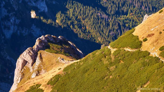 Wyżej i wyżej w stronę przełęczy. Spory kawałek drogi już za nami.