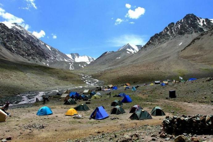 Obóz III. Baza Mitra, wysokość 5000 m n.p.m. Z tego miejsca o północy zaczniemy atak na szczyt Stok Kangri