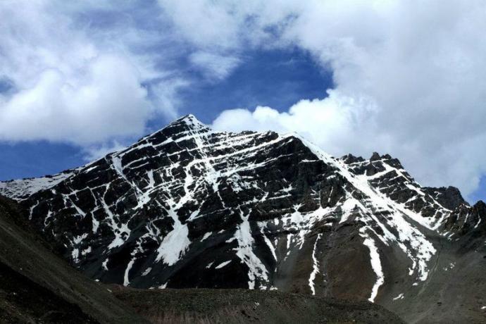 Ostatnie spojrzenie na szczyt. Czy my naprawdę tam weszliśmy. Stok Kangri