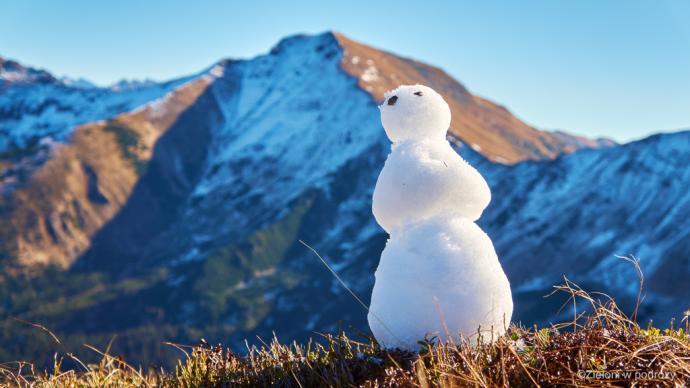 Obawiam się, że bałwanek mógł nie doczekać zimy…