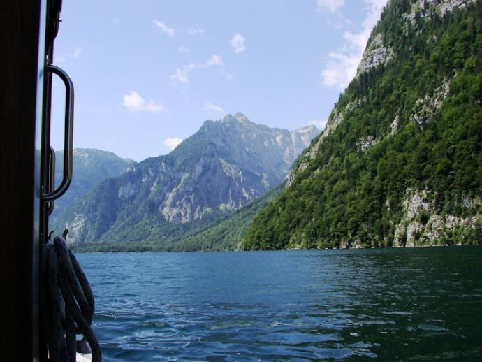 Rejs przez jezioro