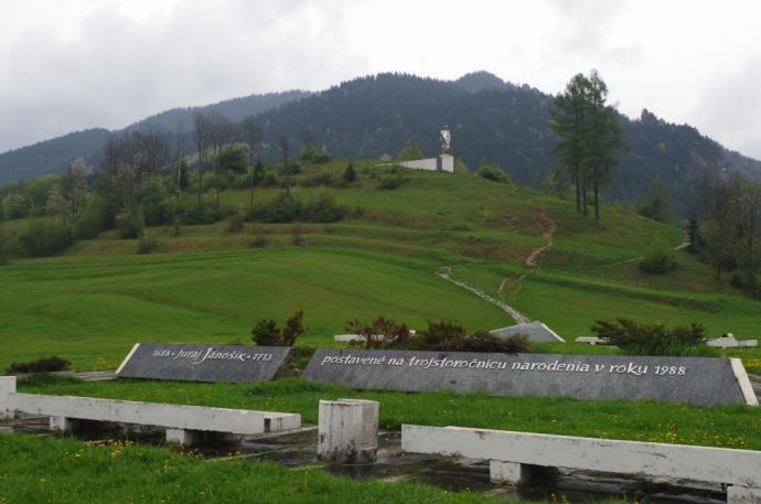 Jánošíkova socha, czyli po prostu pomnik Jánošíka w Terchovej