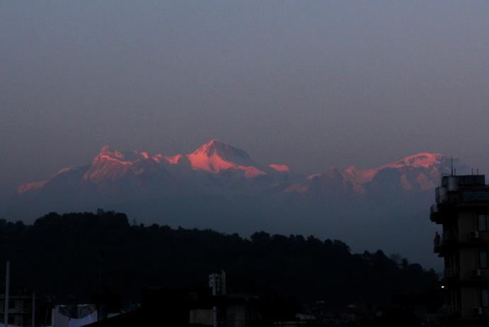 Zachód słońca podziwiany z Pokhary