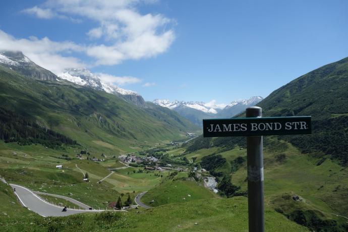James Bond Street - tu kręcono Goldfingera