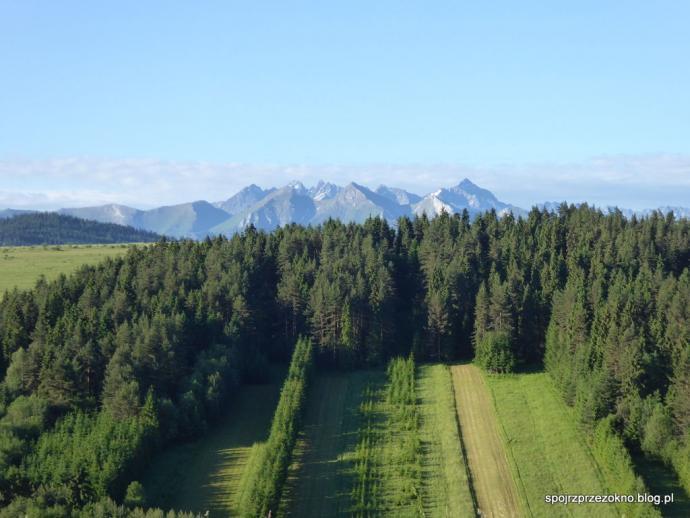 Poranek na Spiszu z Tatrami w tle
