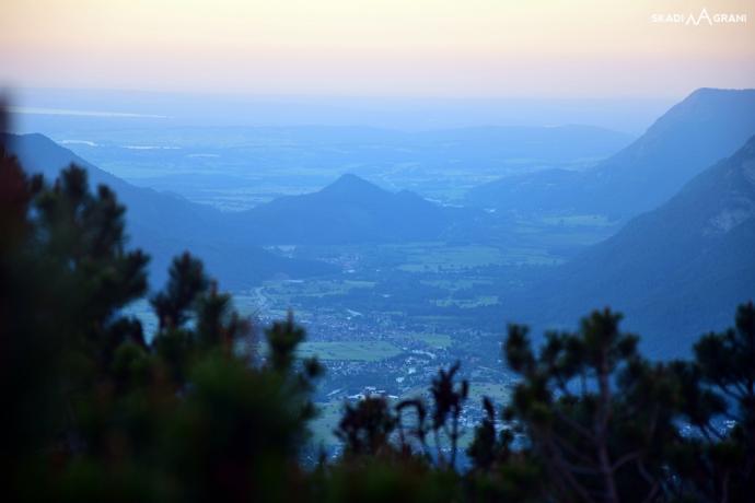 Widok na Garmisch z kosodrzewiny. Dobranoc!