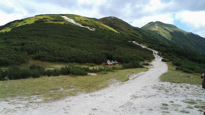 Podejście na Rakoń z Przełęczy Zabrat