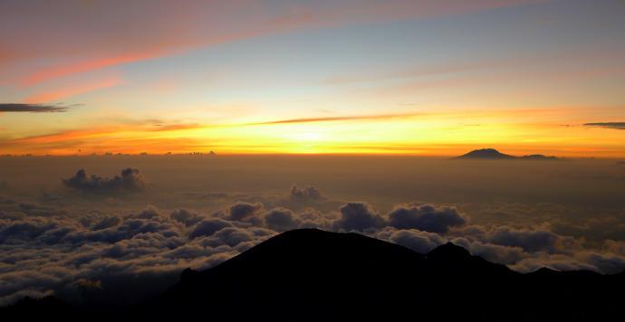 I w takich właśnie okolicznościach przywitaliśmy wschód słońca...