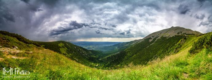 Panorama na Śnieżkę i Dolinę Łomniczki - jeszcze nie wiem że jutro tędy będziemy szli.