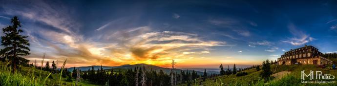 Odrodzenie panorama o zachodzie słońca
