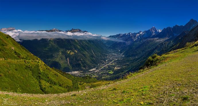 Widok z okolicy Nid dAigle na Alpy