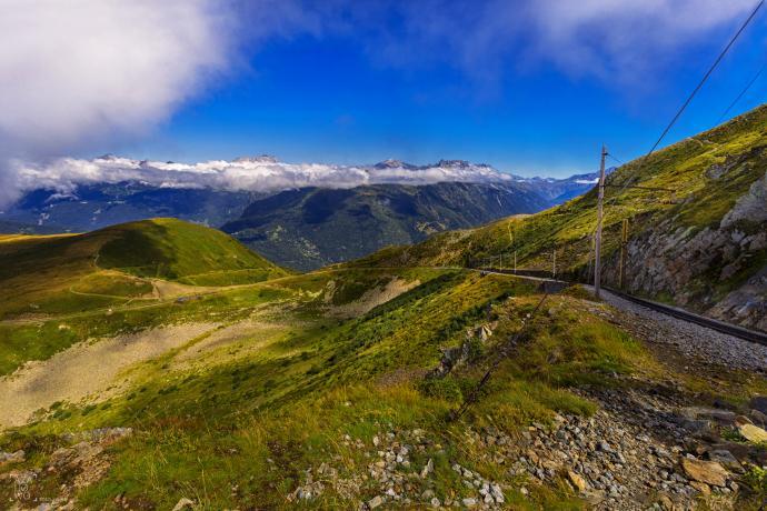 Po drodze z Chamonix w stronę Nid dAigle lokacja = Europa, Francja, Alpy autor = Patrycja tag = tramway du Mont Blanc, tramwaj, kolejka  [8745] ; scald_image tytuł = Po drodze z Chamonix w stronę Nid dAigle