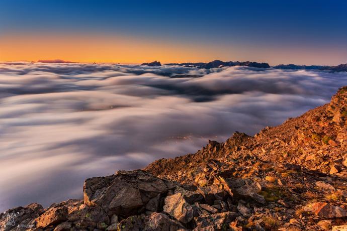Morze chmur w okolicy schronu Forestiere na Chamonix