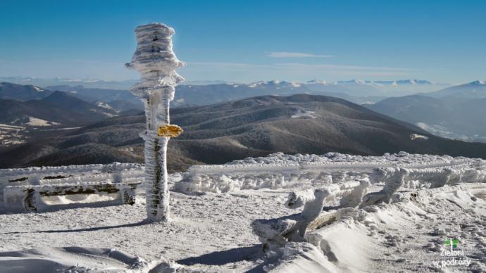 Rzut oka w stronę ukraińskich gór, w tym odległych o blisko 100 km Gorganów