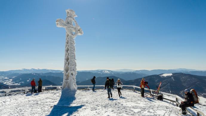 Na szczycie Tarnicy zimą