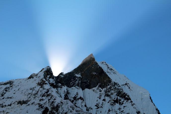 Mieliście kiedyś lampę w górach? A reflektor? (Machhapuchhare)