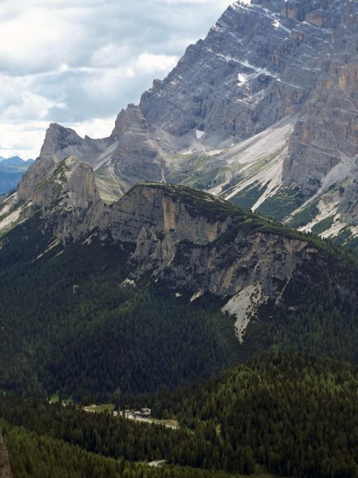 Monte Popena i Cristallo powyżej.