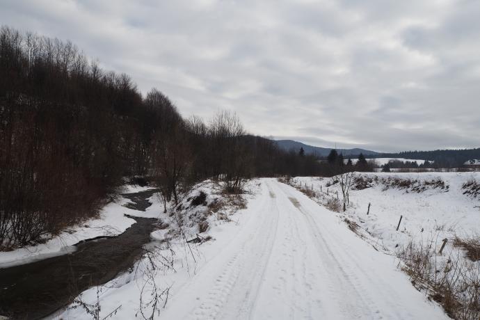 Teren wsi po Akcji Wisła jest zupełnie opustoszały