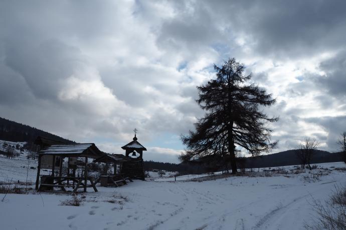 Dzwonnica poświęcona pamięci dawnych mieszkańców tej ziemi