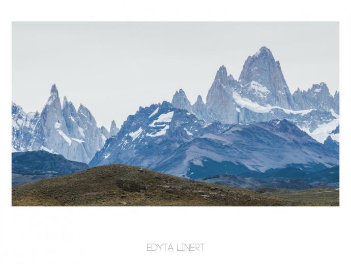 Cerro Torre i Fitz Roy widziane z drogi prowadzącej do El Chalten