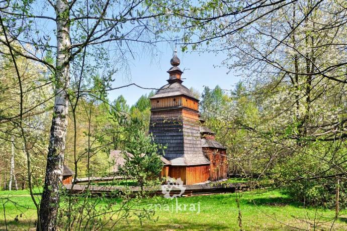 Cerkiew ze wsi Czarne - skansen w Nowym Sączu. Fot. Szymon Nitka - Znajkraj