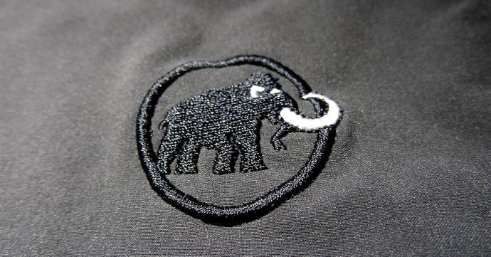 Wyszywane logo Mammuta