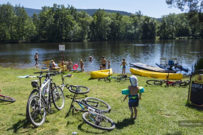 Jeziorko, kajaki, rowery i plaża
