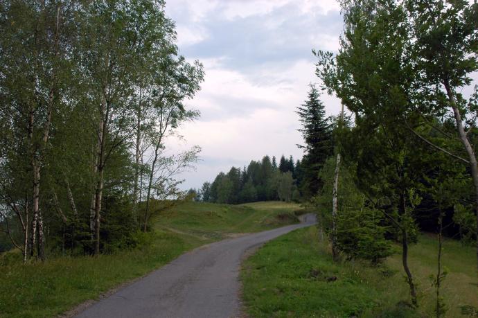 Wysoko położony przysiółek nad Brzyną