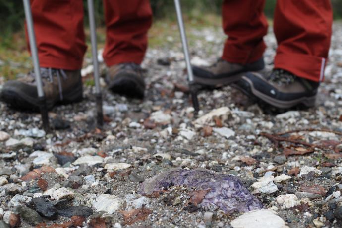 Bogactwo minerałów tych okolic - wystarczy spojrzeć na kolory kamyków pod nogami
