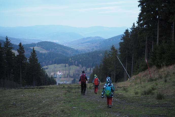 Zimą Czarna Góra zamienia się w raj dla narciarzy