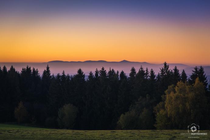 Widok na Karkonosze z odległości 50 km