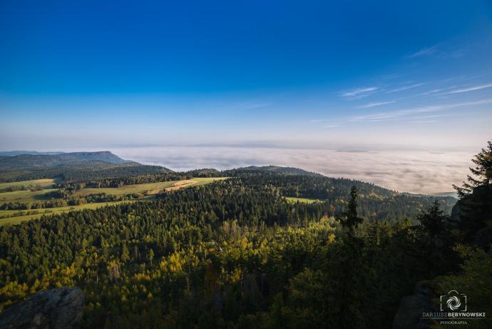 Poranek w chmurach - Szczeliniec Wielki