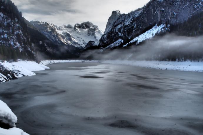 Dolne Jezioro Gosau to jeden z najbardziej znanych pocztówkowych plenerów Austrii
