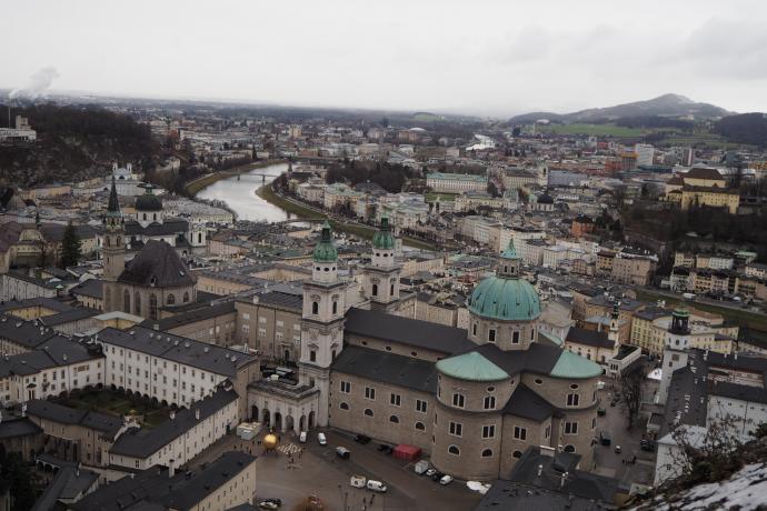 Widoki na Salzburg są naprawdę zachwycające. Na pierwszym planie katedra.