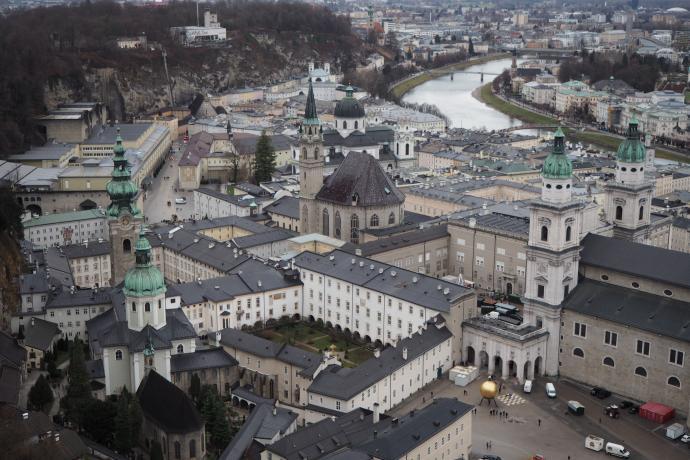 Teraz dobrze widać kościół św. Piotra i kościół franciszkański
