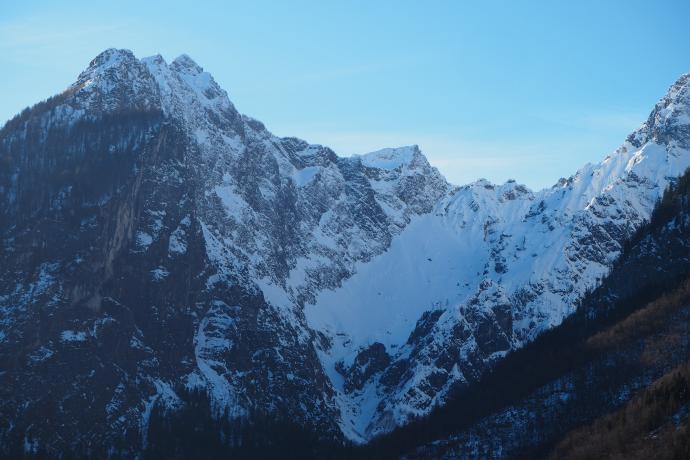 Tuż obok wznosi się Watzmann z najwyższą skalną ścianą w Alpach