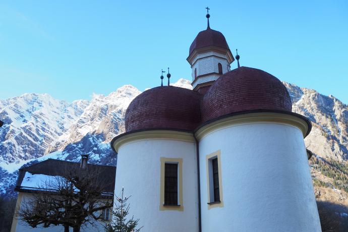 Charakterystyczne cebulaste kopuły to jeden z wyróżników tej świątyni