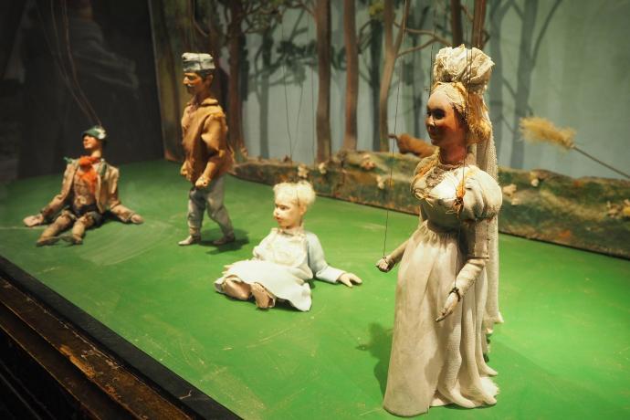 Na ekspozycji marionetek można oglądać zabytkowe lalki z Teatru Marionetek w Salzburgu