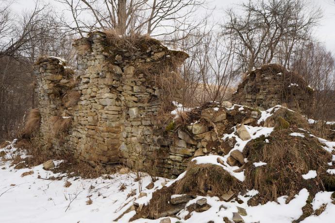Świątynia została zbudowana w 1820 r., obecnie zostały z niej tylko niszczejące ruiny.