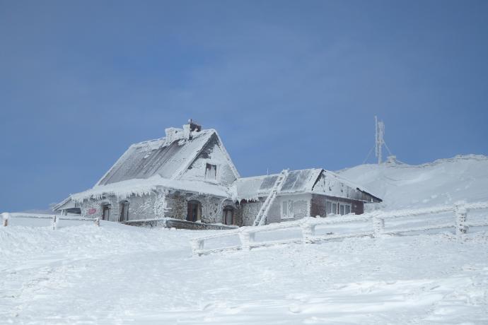 Chatka Puchatka przycopnęła pod samą kulminacją Hasiakowej Skały (1232 m)
