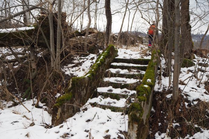 Mijamy ruiny dawnej strażnicy niemieckiej