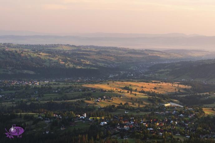 W dolinach wstaje dzień