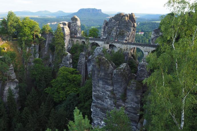 Jeszcze tylko jedno spojrzenie z punktu widokowego na most i twierdzę.
