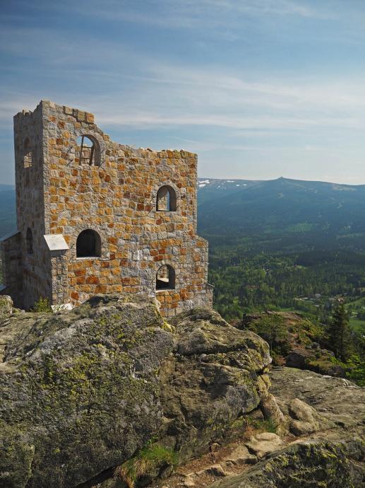 Coraz wyższa wieża na Wysokim Kamieniu