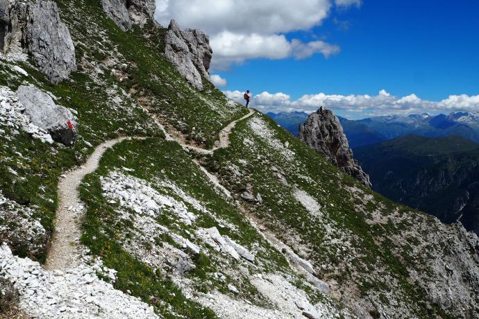 Nasza ścieżka trawersuje stoki szczytu Kalkwand (2564 m n.p.m.).