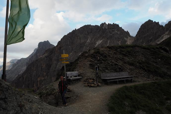 Znajoma przełęcz Pinnisjoch. Zaczynamy schodzić mocno wieczorową porą.